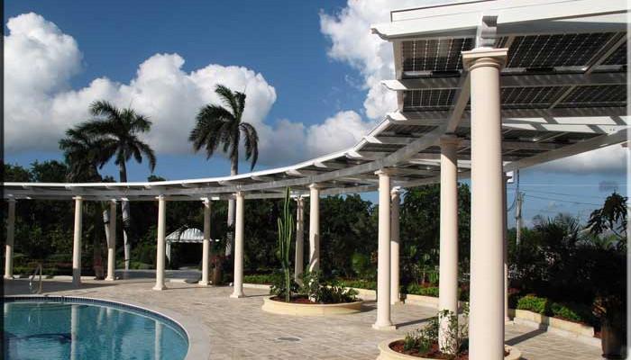 Pérgola solar para hoteles