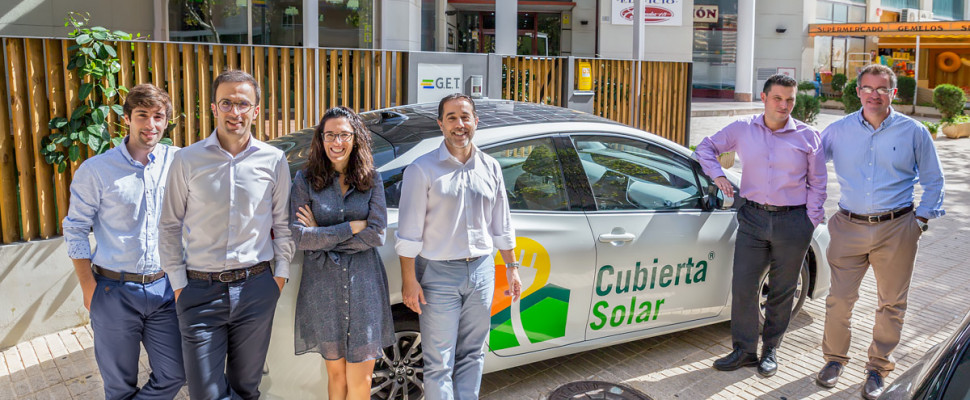 Cubierta Solar con su coche fotovoltaico