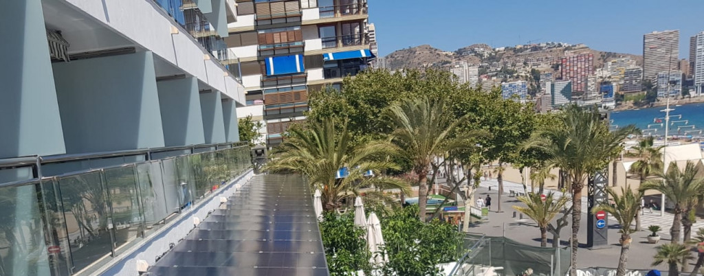 Pérgola Fotovoltaica para hoteles