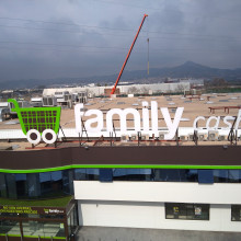 Instalación Fotovoltaica Family Cash